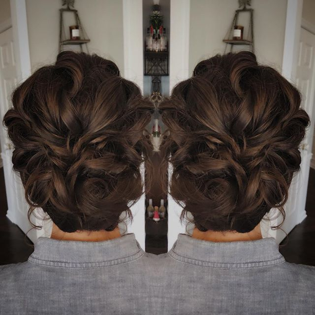 Low textured updo👑❤️ hair by me for @traceygarciamua . . . #beautybyaubrey #bridalupdo #bridalmakeup #dmvbride #dcbride #dmvbrides #dcmakeupartist #dchairstylist #dmvmakeupartist #dmvhairstylist #bridalhairstyle  #beautybyaubrey #dmvweddings #dmvbrides #vabride #vamakeupartist #vahairstylist