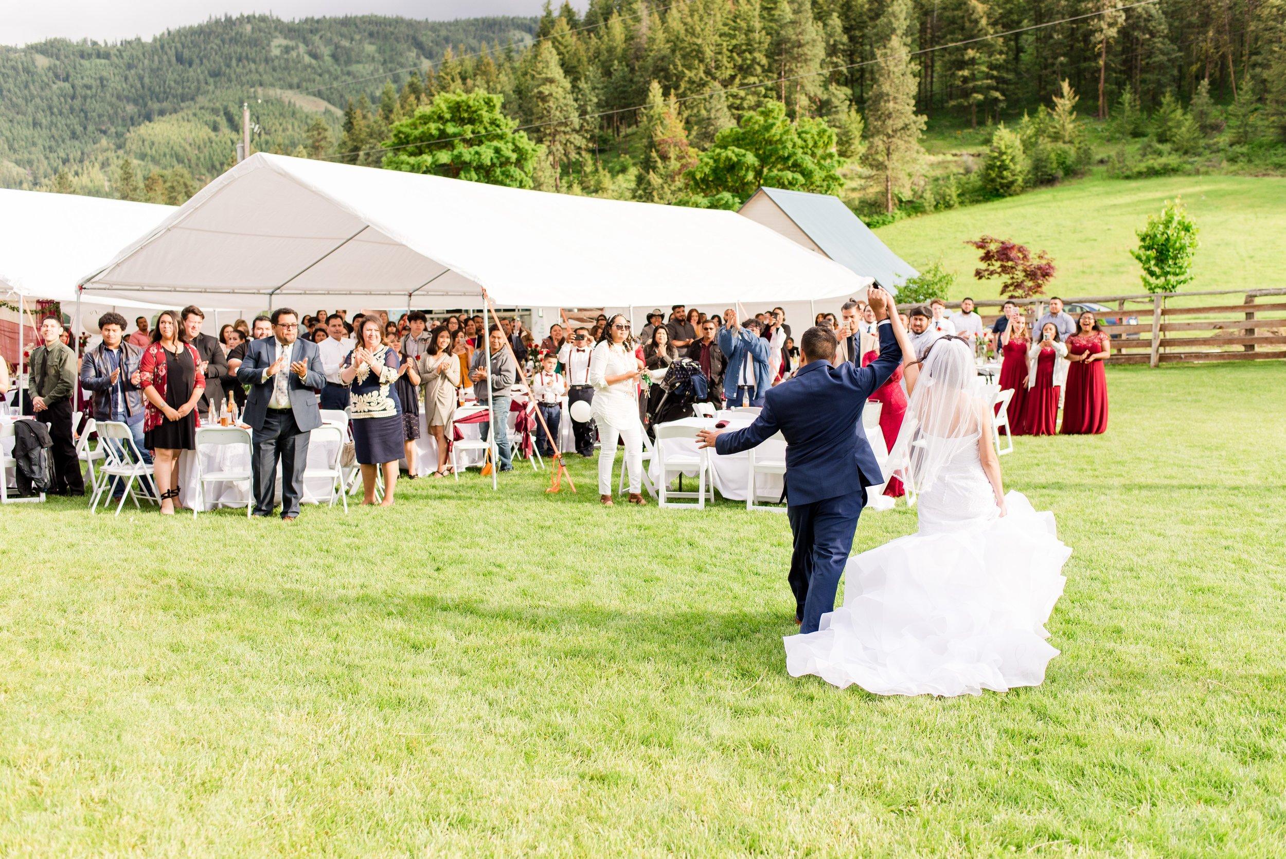 Wenatchee, Washington White Barn Wedding_0037.jpg