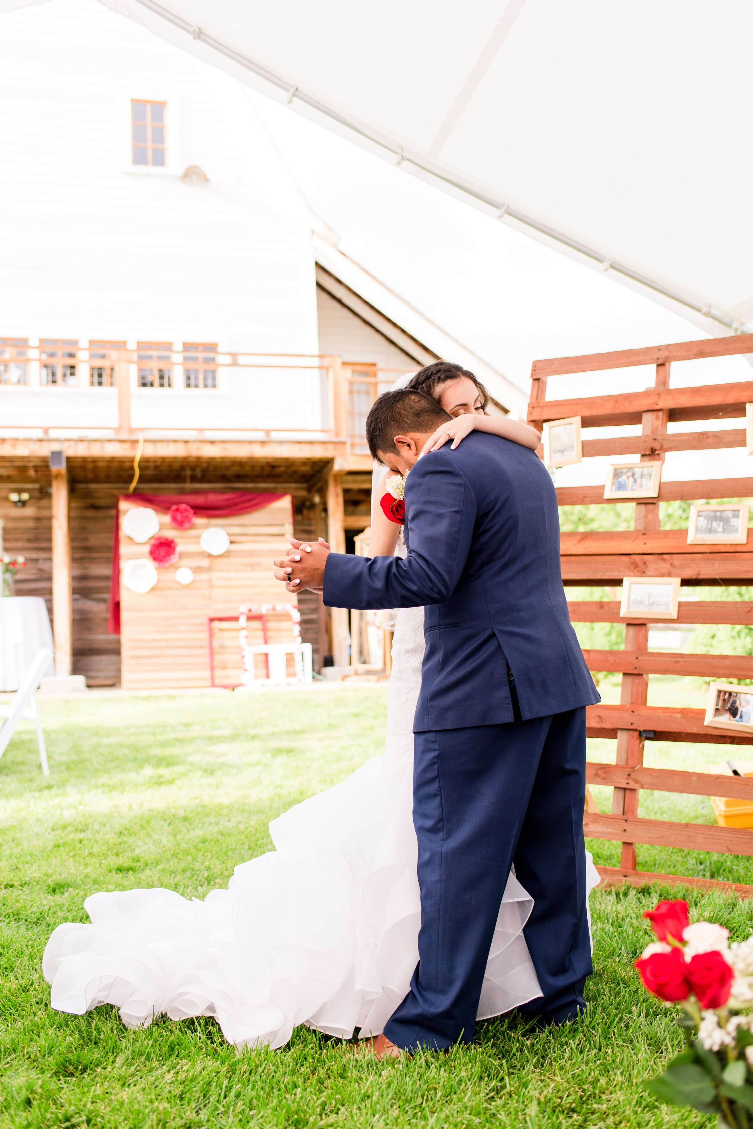 Wenatchee, Washington White Barn Wedding_0038.jpg