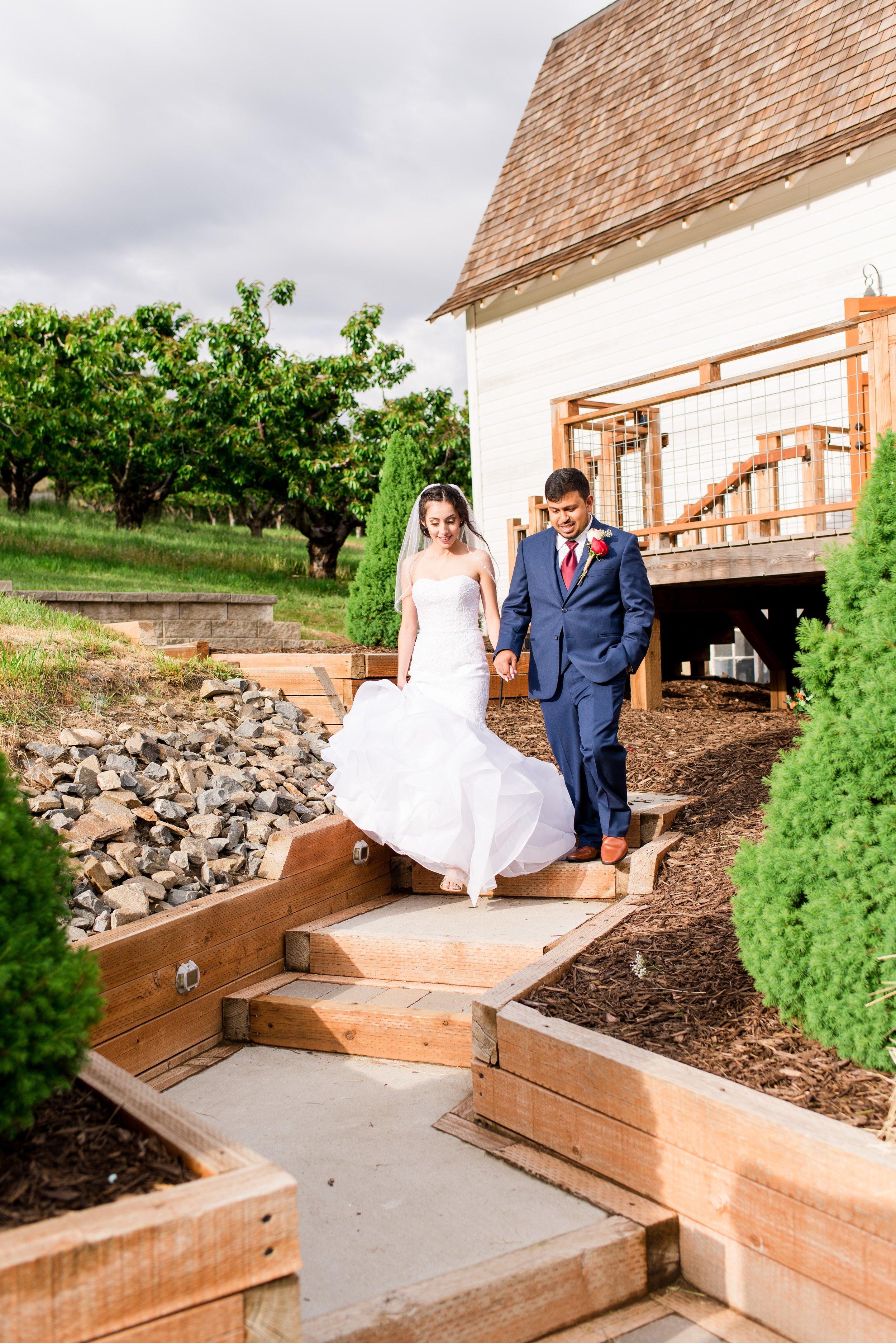 Wenatchee, Washington White Barn Wedding_0036.jpg