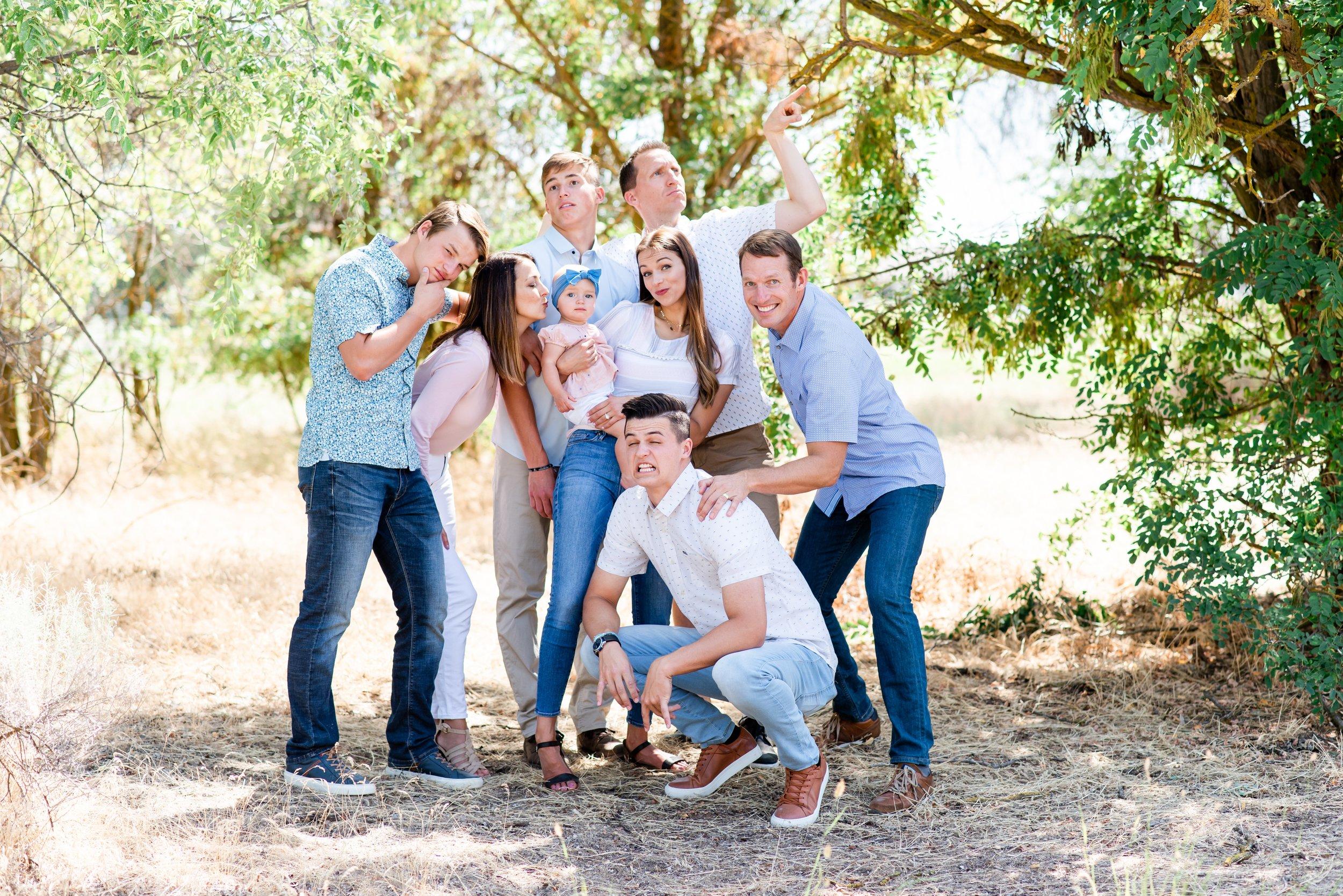 Moses Lake Washington Family Photos - Morgan Tayler Photo & Design - Moses Lake Washington Family Photographer - What to Wear in Family Photos