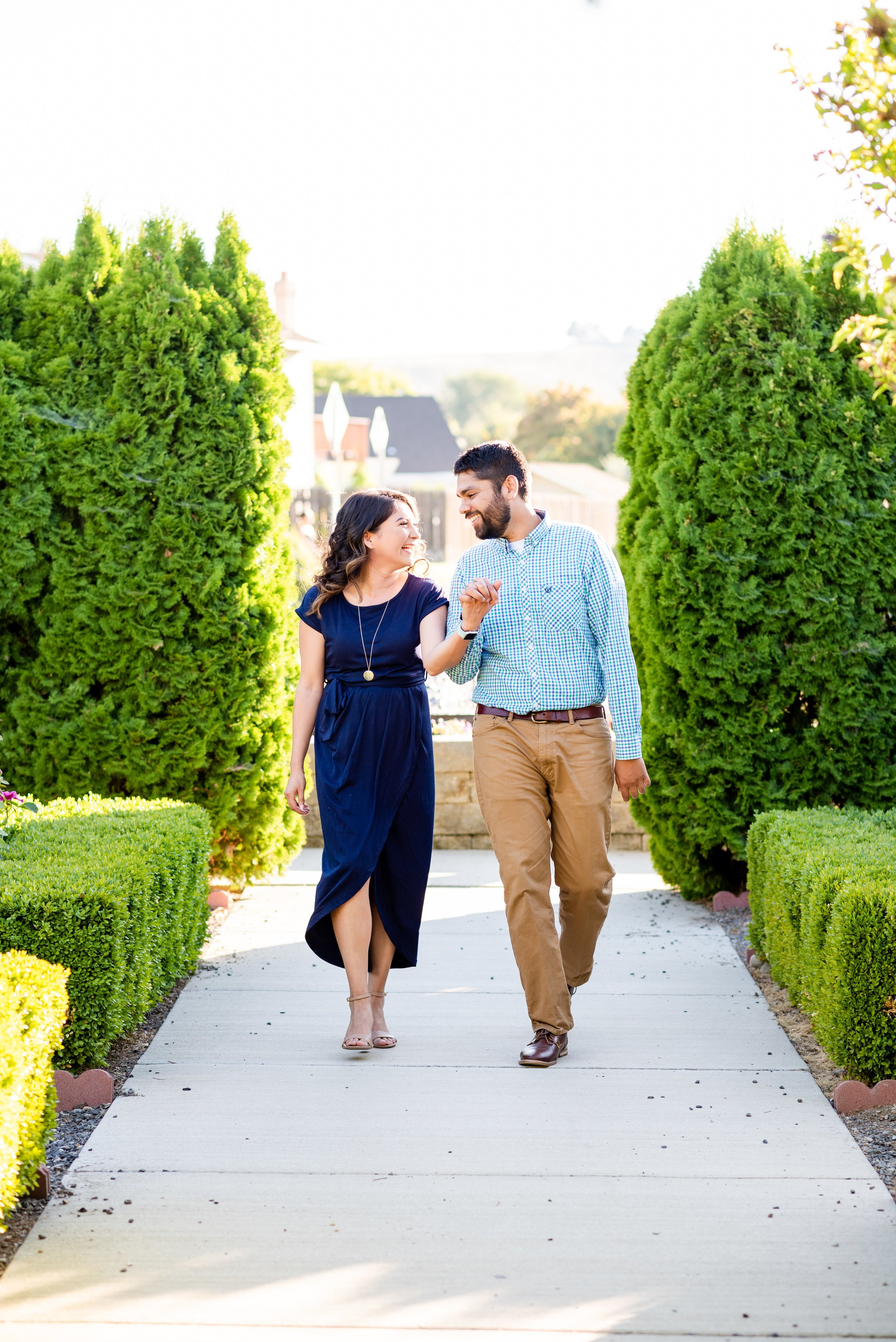 Kennewick Washington Engagement Photos - Morgan Tayler Photo & Design - Tri Cities Wa Engagement Photographer_0003.jpg