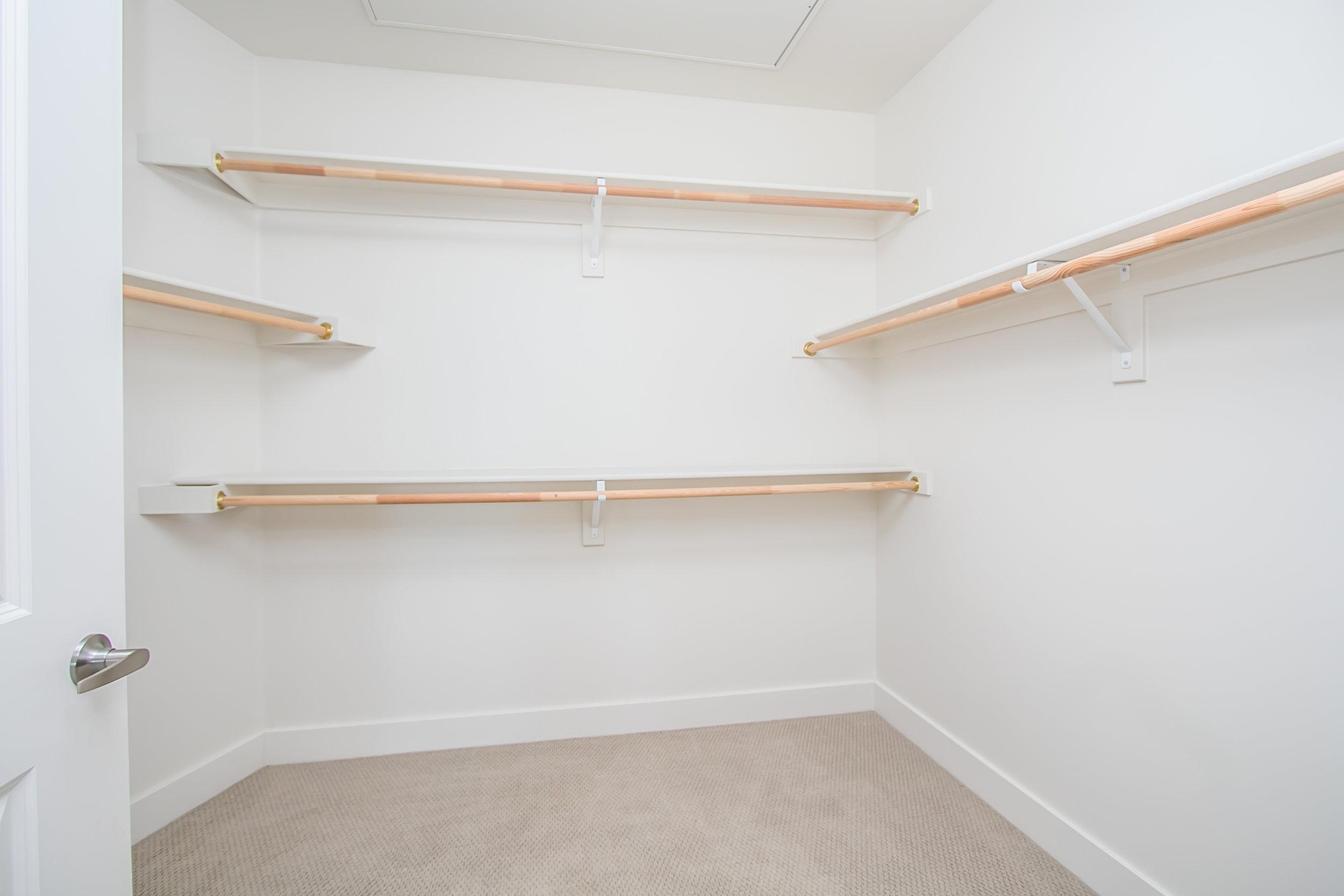 inspire-spacious-closets