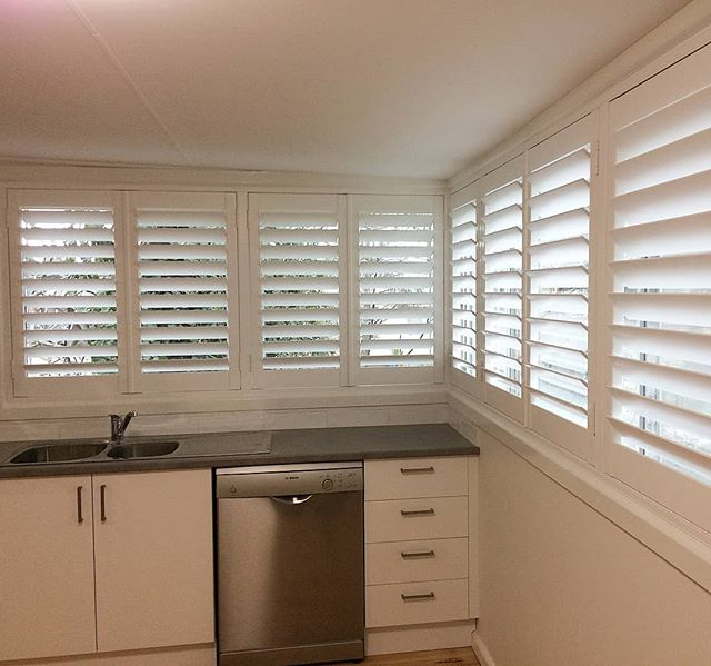 How wonderful are shutters?  The way these shutters just finished off this kitchen is amazing. Shutters are ideal for keeping the cold out, especially on such a big window area. They are also great for those windows, when you're not too sure what to put on them.  #bendigo #elegantconcepts #countryvictoria #centralvictoria #curtains #blinds #shutters #awnings #drapes #kitchen #interior #design #interiordecor #interiordesign #lovewhatwedo #love #white