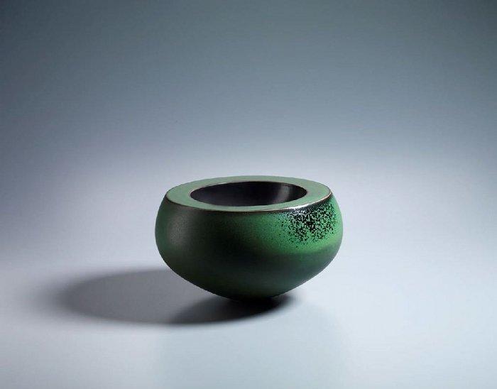 Thomas Bohle, Nr. 2 DD13, 2013. Ceramic, 16.5 x 28 cm