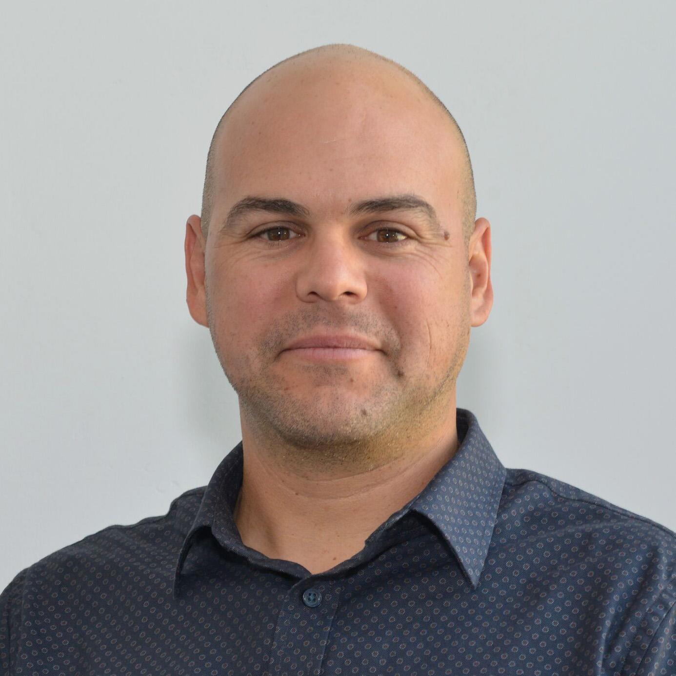 Garrett Mann  Construction Manager P: 619.543.4200 ext. 7216    E:  gmann@hampstead.com