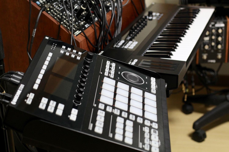 Maschine Studio + Komplete Kontrol S49