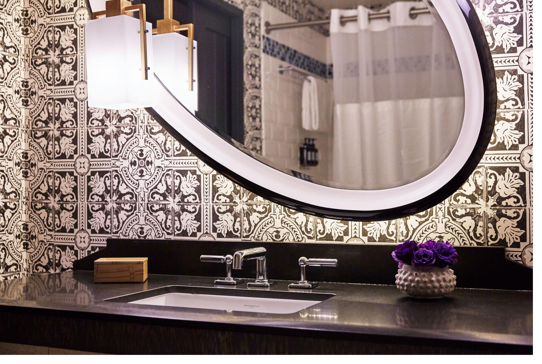 1017-Bathroom_0520_v1_72dpi.jpg