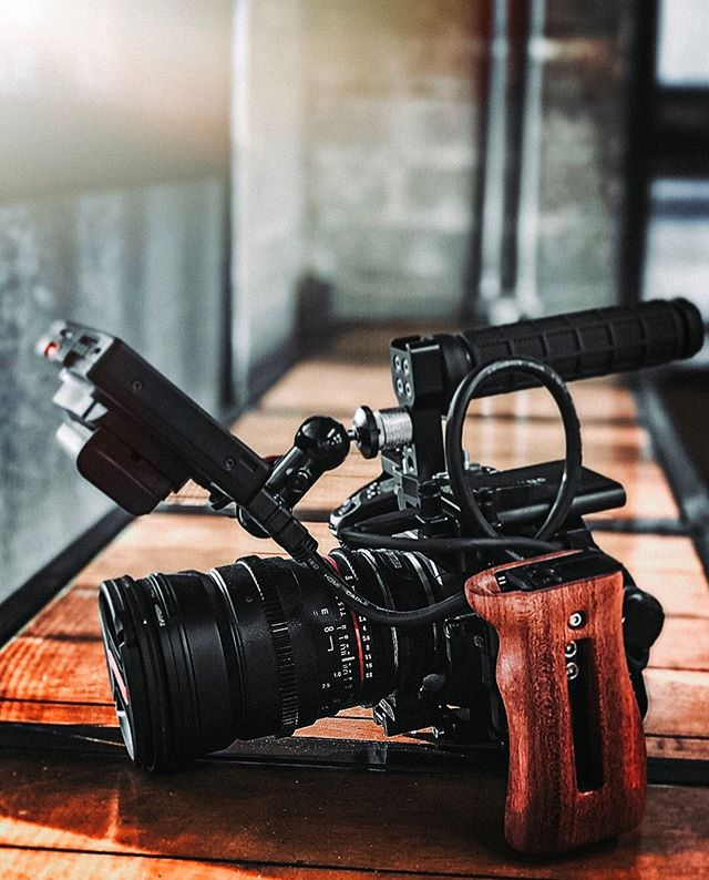 We've been using the Blackmagic Pocket Cinema Camera 4k for about 2 months now and, WOW does this thing pack a serious punch! Whats your favorite camera to shoot with? Happy Friday everyone!