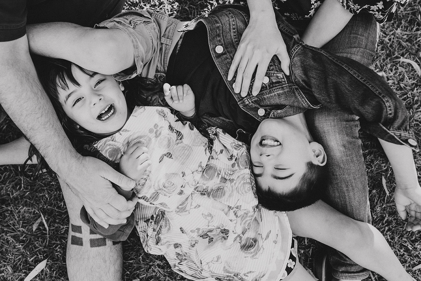 Express Family sesH - $399This includes:- a 30 minute photo session with your little fam - 15 handcrafted images - USB package with high resolution photos - online gallery to share with loved ones - special gift pack