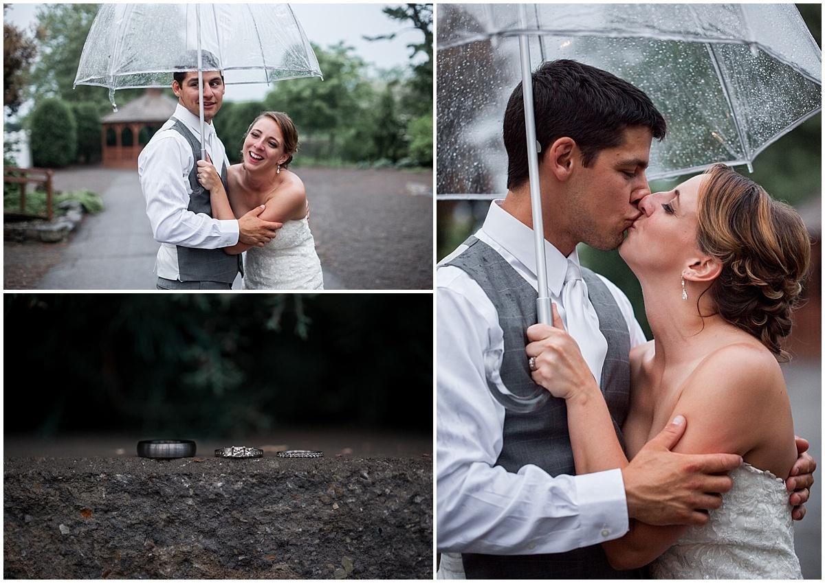 rainy bride and groom portraits at the atrium