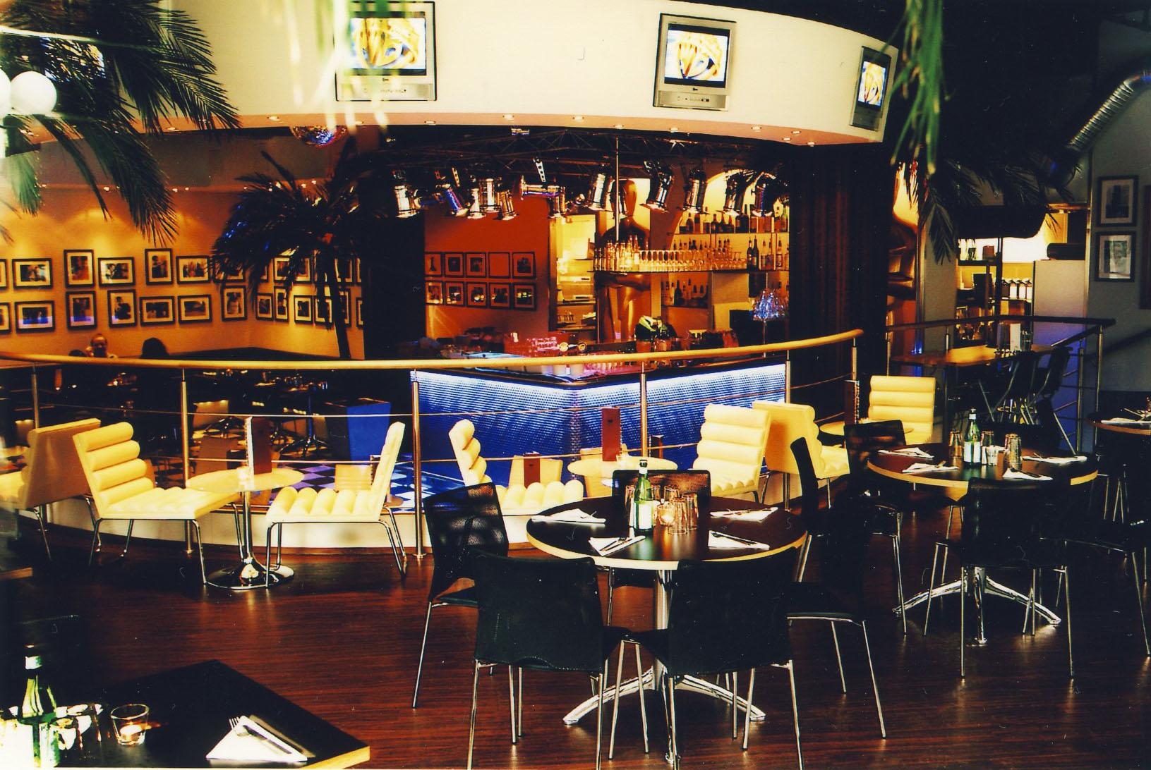 Café Hollywood i City