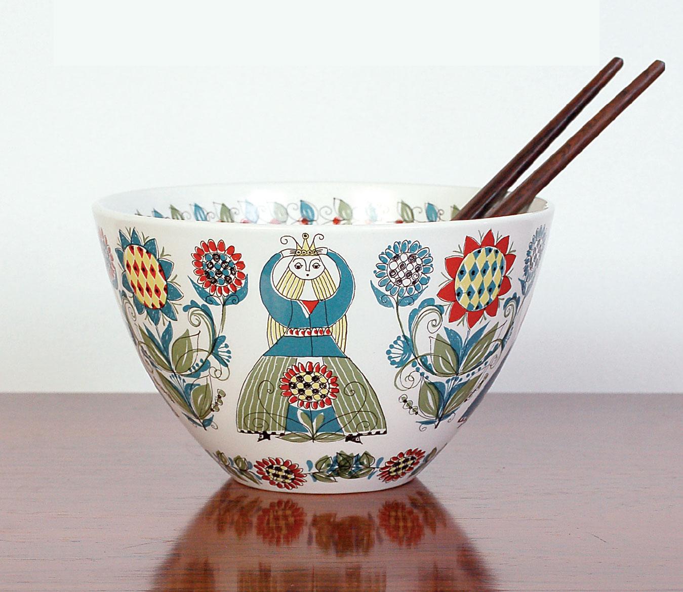 Large bowl from the 'Saga' range.