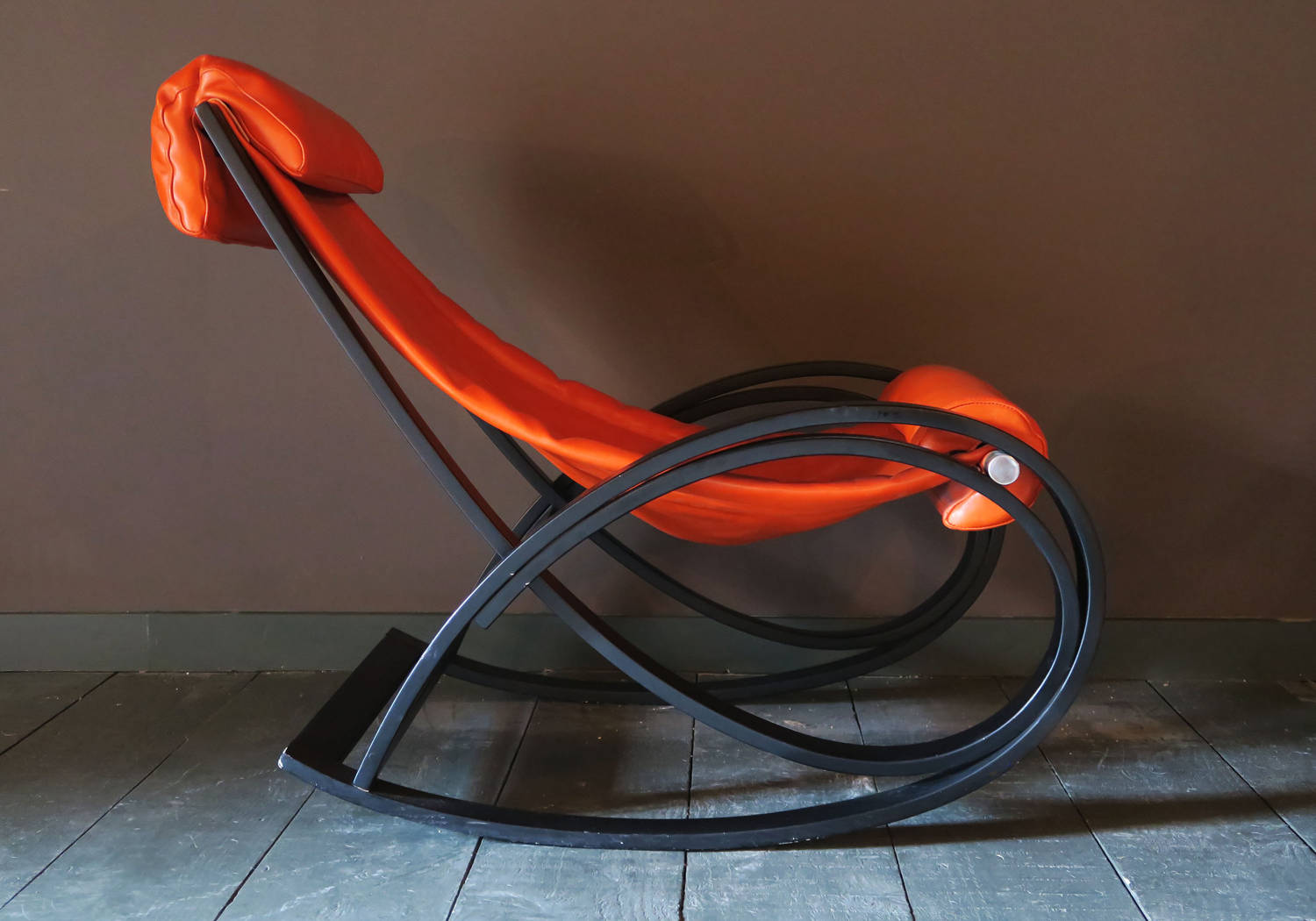 leather-rocking-chair-italy-circa-1960_12727_pic2_size3.jpg