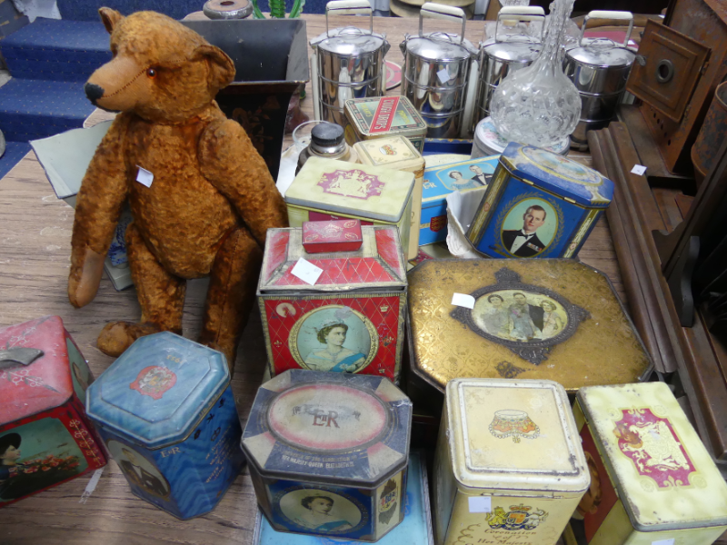 Vintage biscuit tins and teddy bear.png