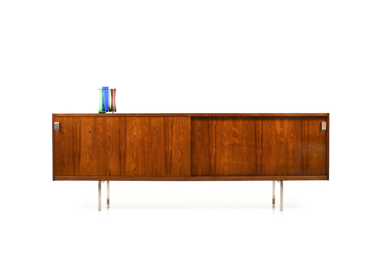 Low-Sideboard-in-rosewood-by-DUX-Sweden-1960s-1.jpg