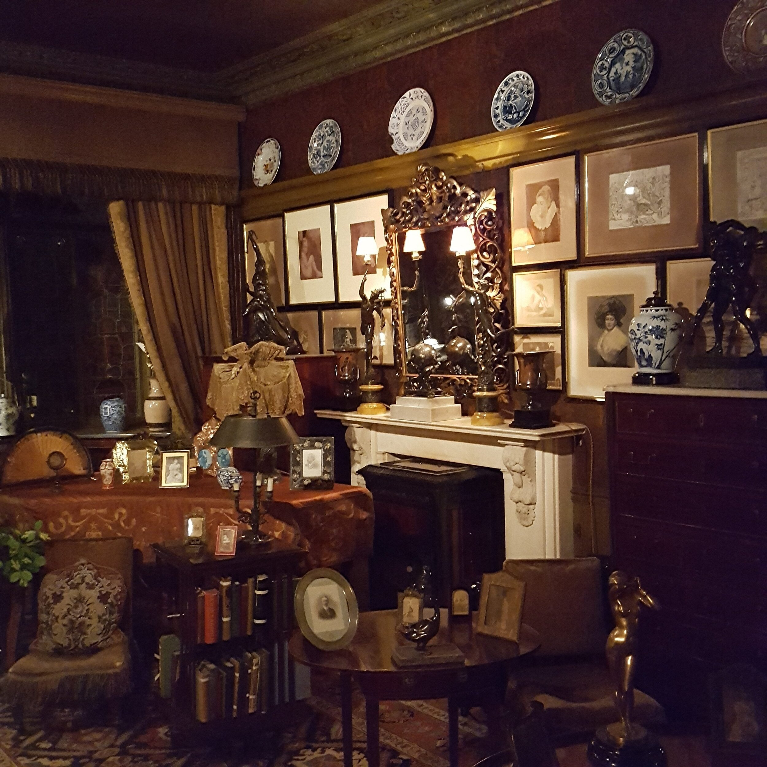 Victorian-drawing-room-e1510140210846.jpg