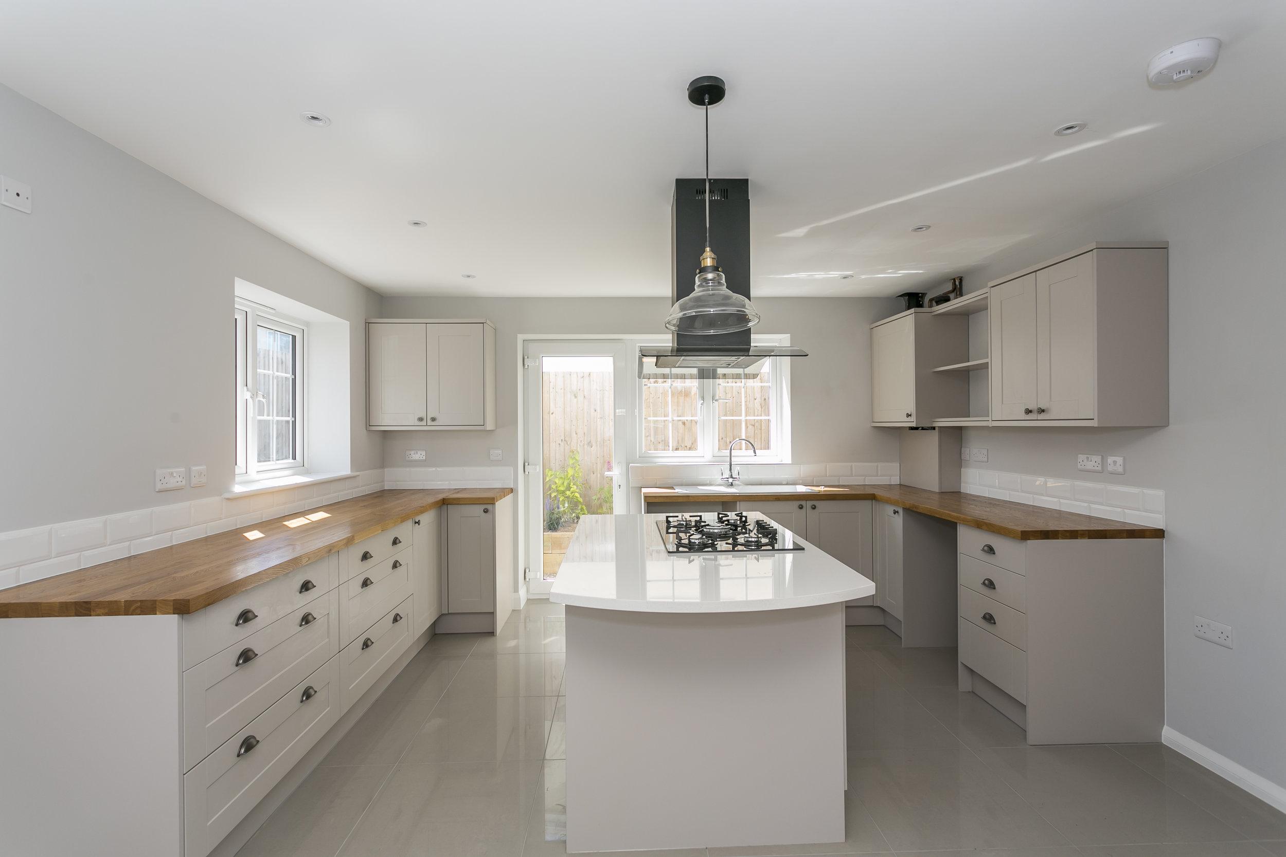11b Doric Avneue - Kitchen1.jpg