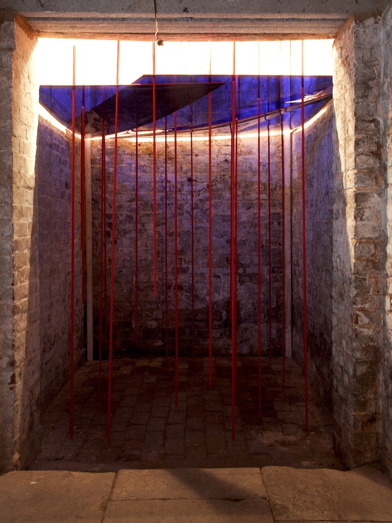 Caroline Lambard - transition line installation