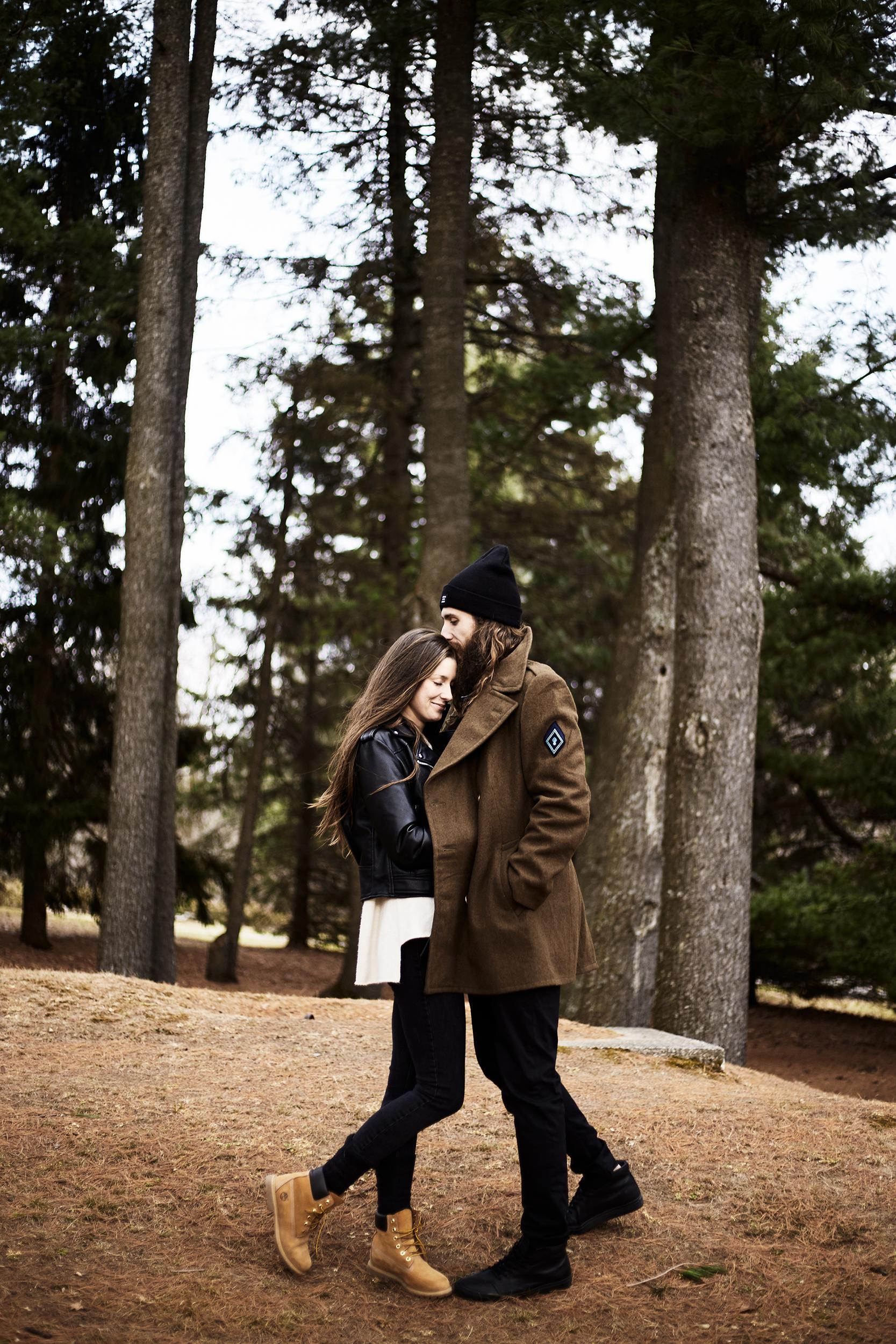 MacKenzie-King-Estate-Couples-Session- 550.jpg