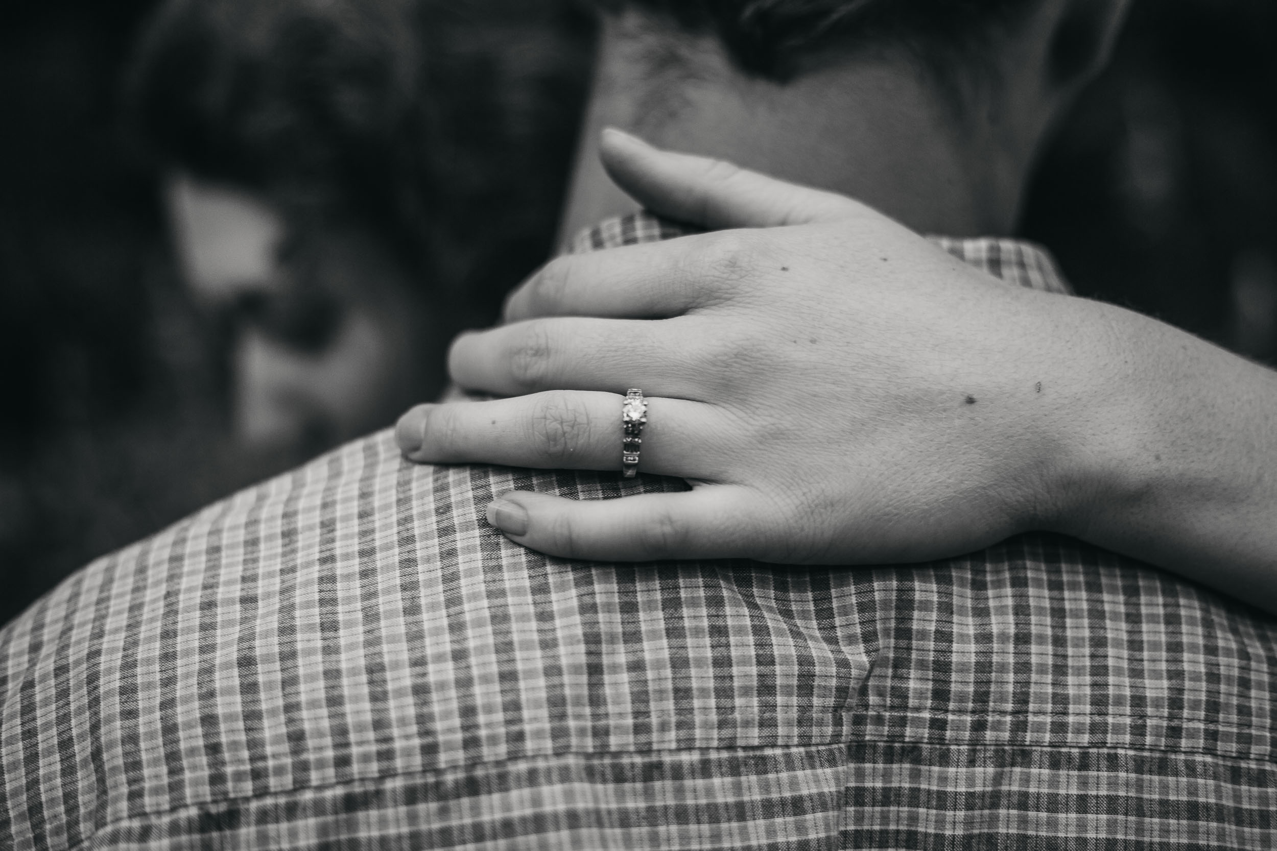 Ottawa-Elopement-Engagement-Photographer-09.jpg
