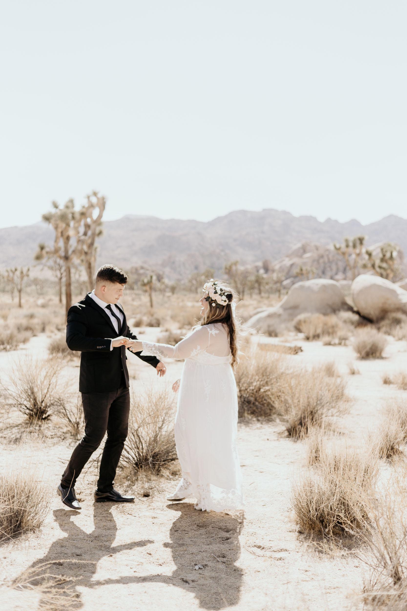 intimate-wedding-elopement-photographer-ottawa-joshua-tree-0248.jpg