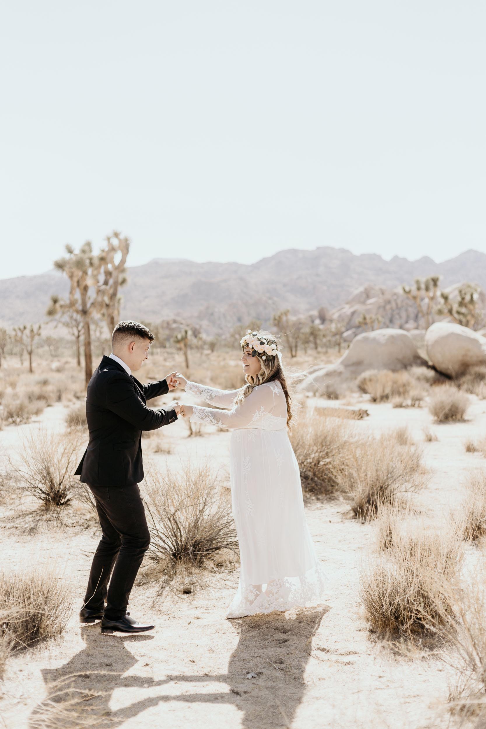 intimate-wedding-elopement-photographer-ottawa-joshua-tree-0261.jpg