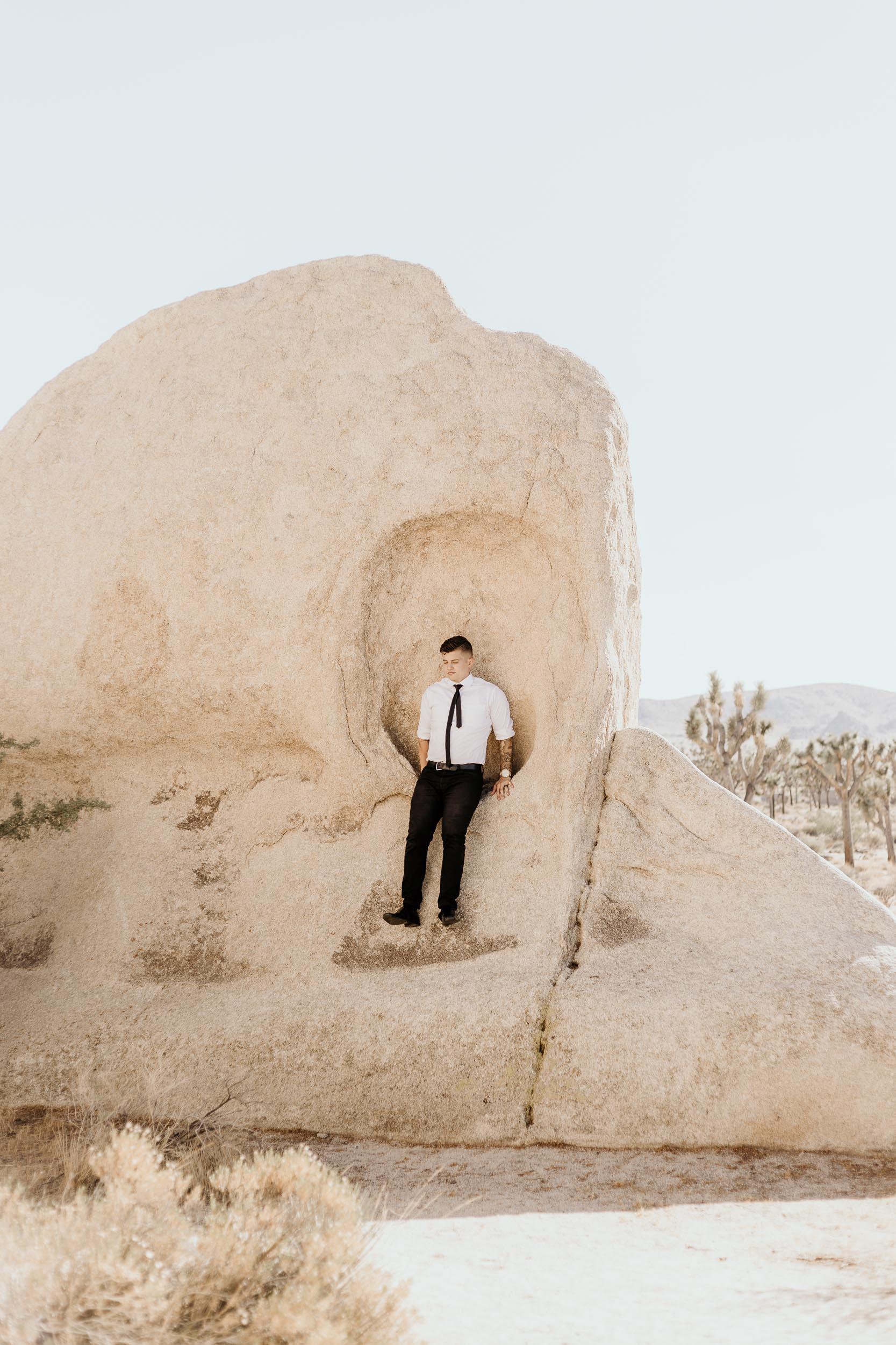 intimate-wedding-elopement-photographer-ottawa-joshua-tree-0498.jpg
