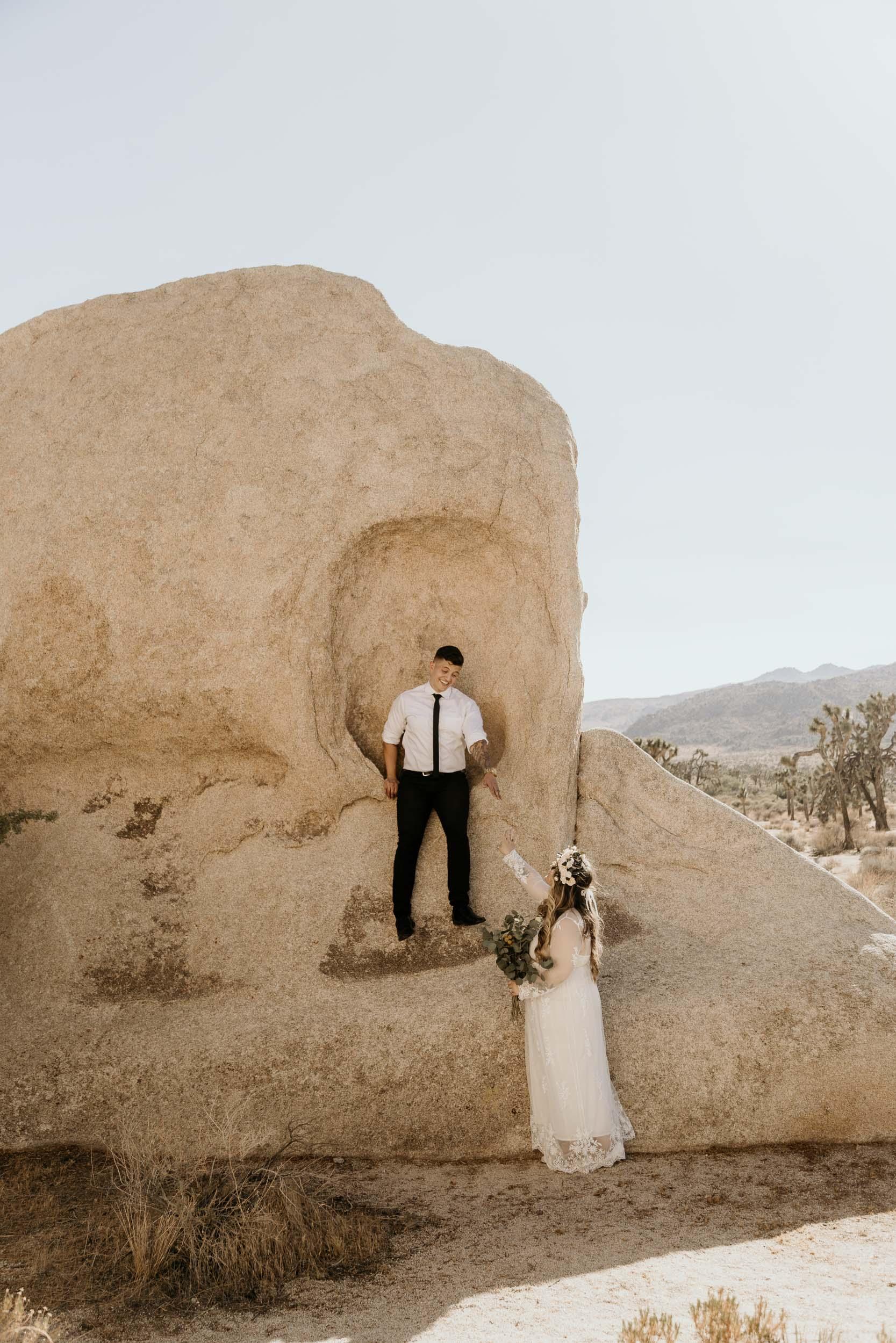 intimate-wedding-elopement-photographer-ottawa-joshua-tree-0510.jpg