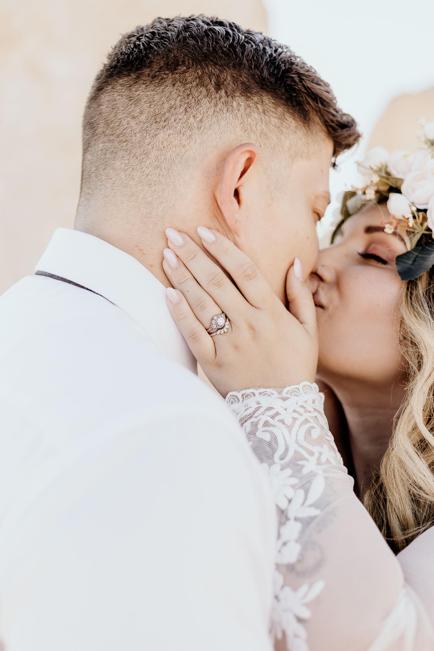 intimate-wedding-elopement-photographer-ottawa-joshua-tree-0604.jpg