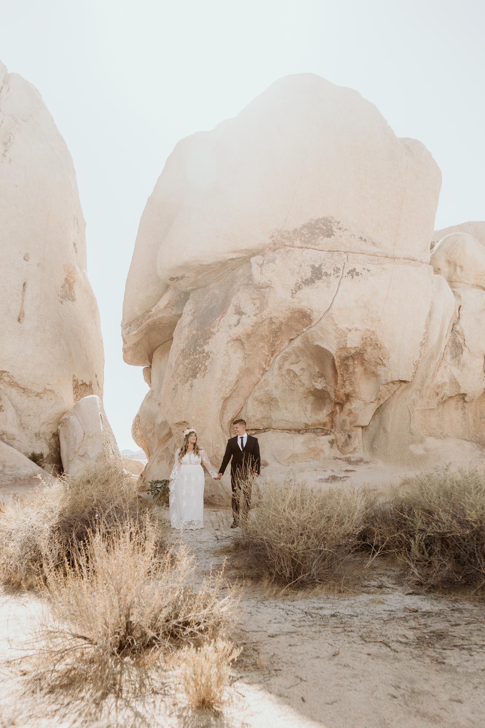 intimate-wedding-elopement-photographer-ottawa-joshua-tree-9995.jpg