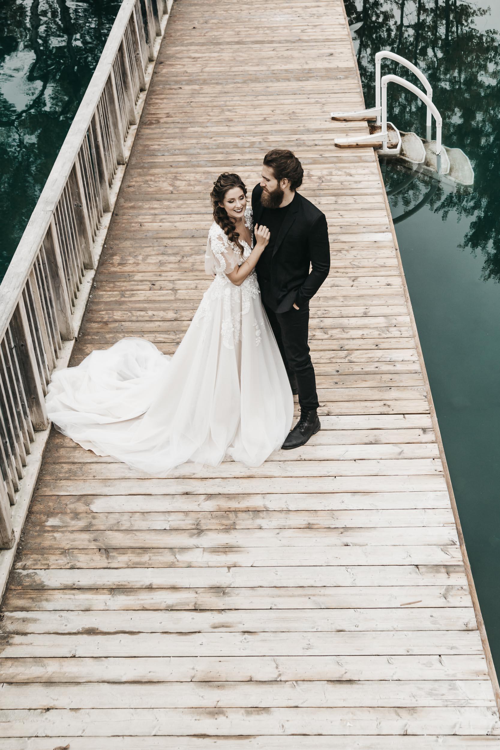 intimate-wedding-elopement-photographer-ottawa-toronto-0002.jpg