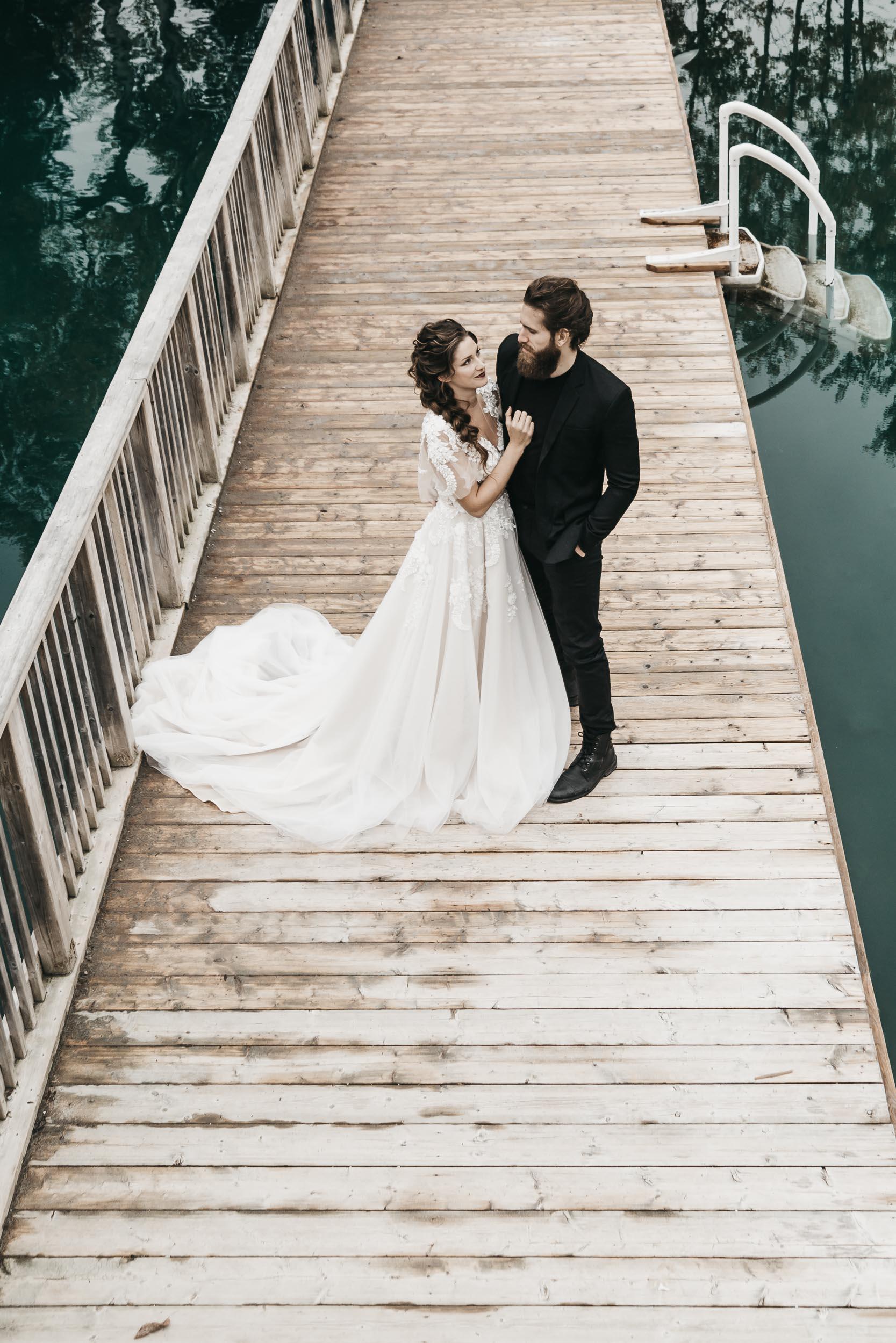 intimate-wedding-elopement-photographer-ottawa-toronto-0003.jpg