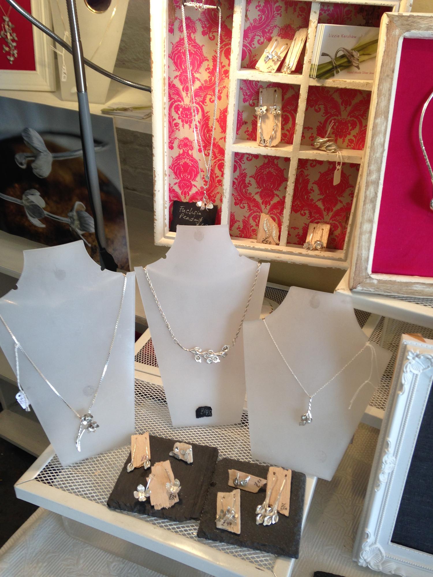 Jewellery-display.png