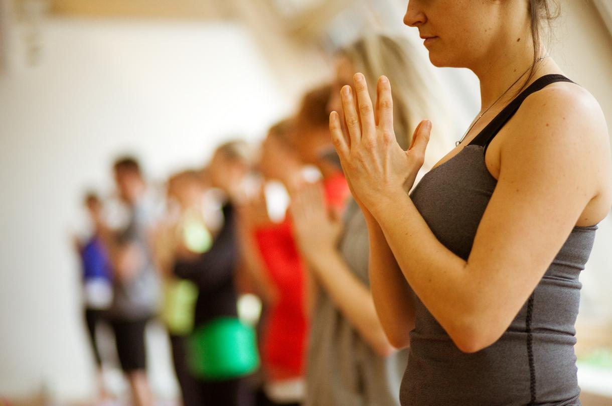 yoga class yoga retreat portugal.png