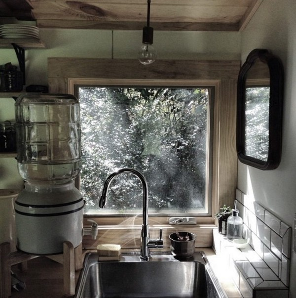 natalies-the-villager-tiny-house-005-600x603.jpg