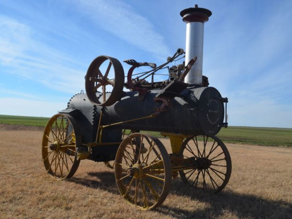 This online-only auction offers a variety of steam engines from the Ed Larson collection.