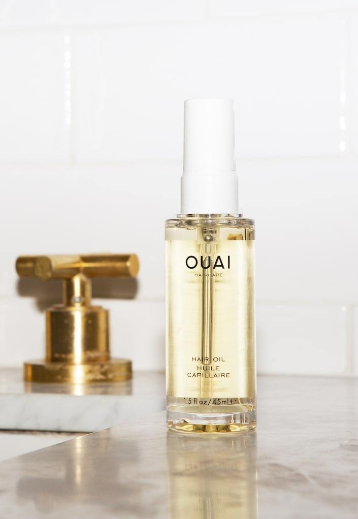 OUAI Hair Oil - A multitasking oil that smoothes frizz and seals split ends for high-gloss, super-smooth finish. Packed with African Galanga, Ama and Asian Borage oils keep color from fading and protect hair from heat damage.