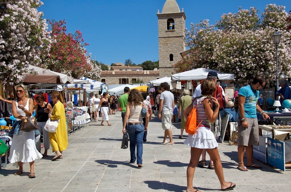 Thursday market San Pantaleo