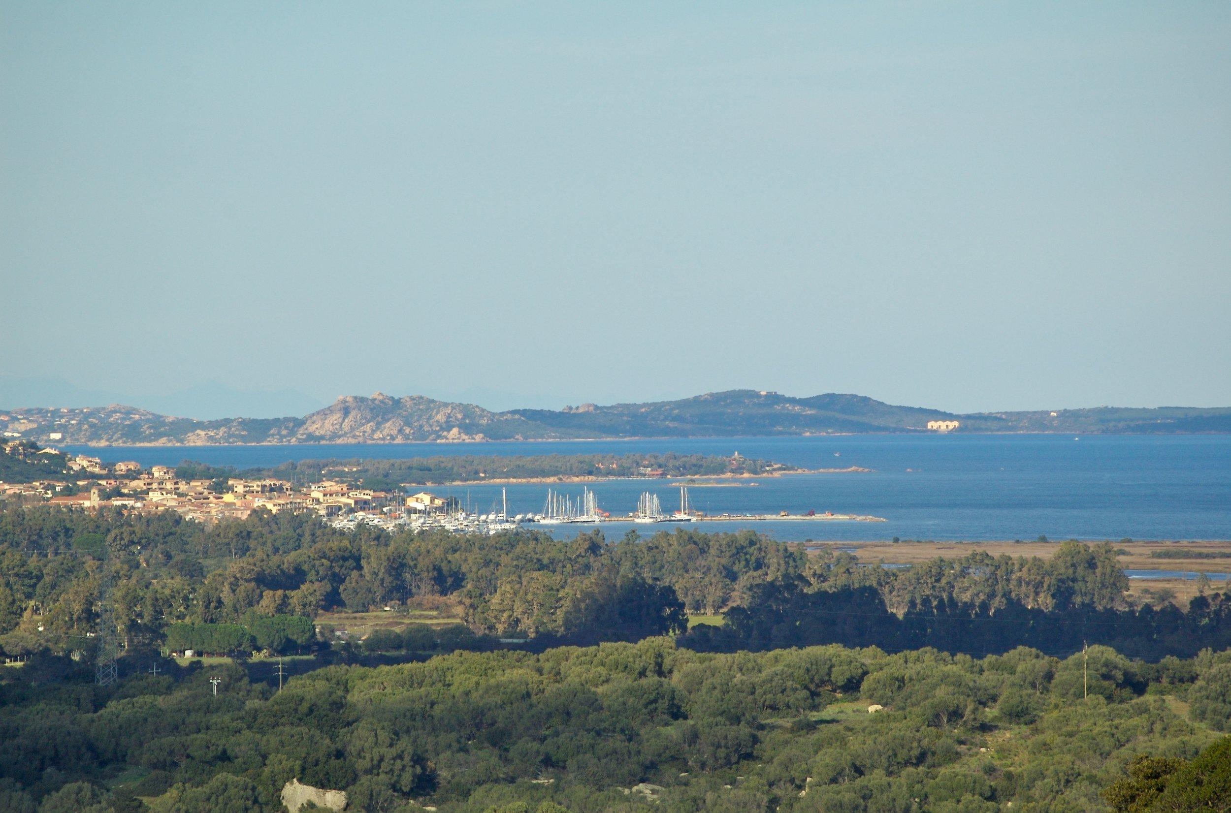 Geniesse die spektakuläre   AUSSICHT   zum La Maddalena Archipel