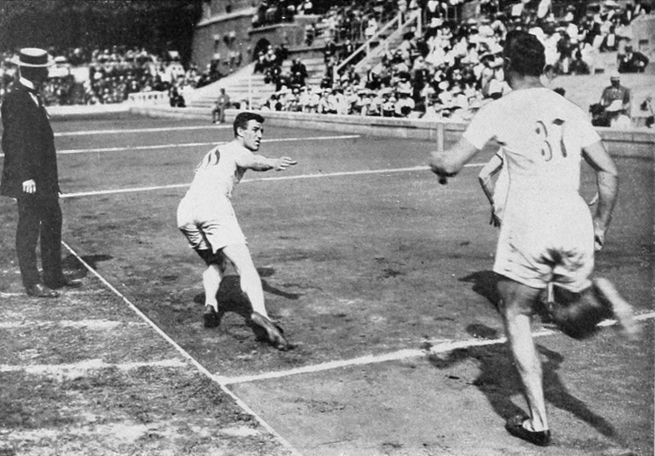 1912_Athletics_men's_4x400_metre.JPG