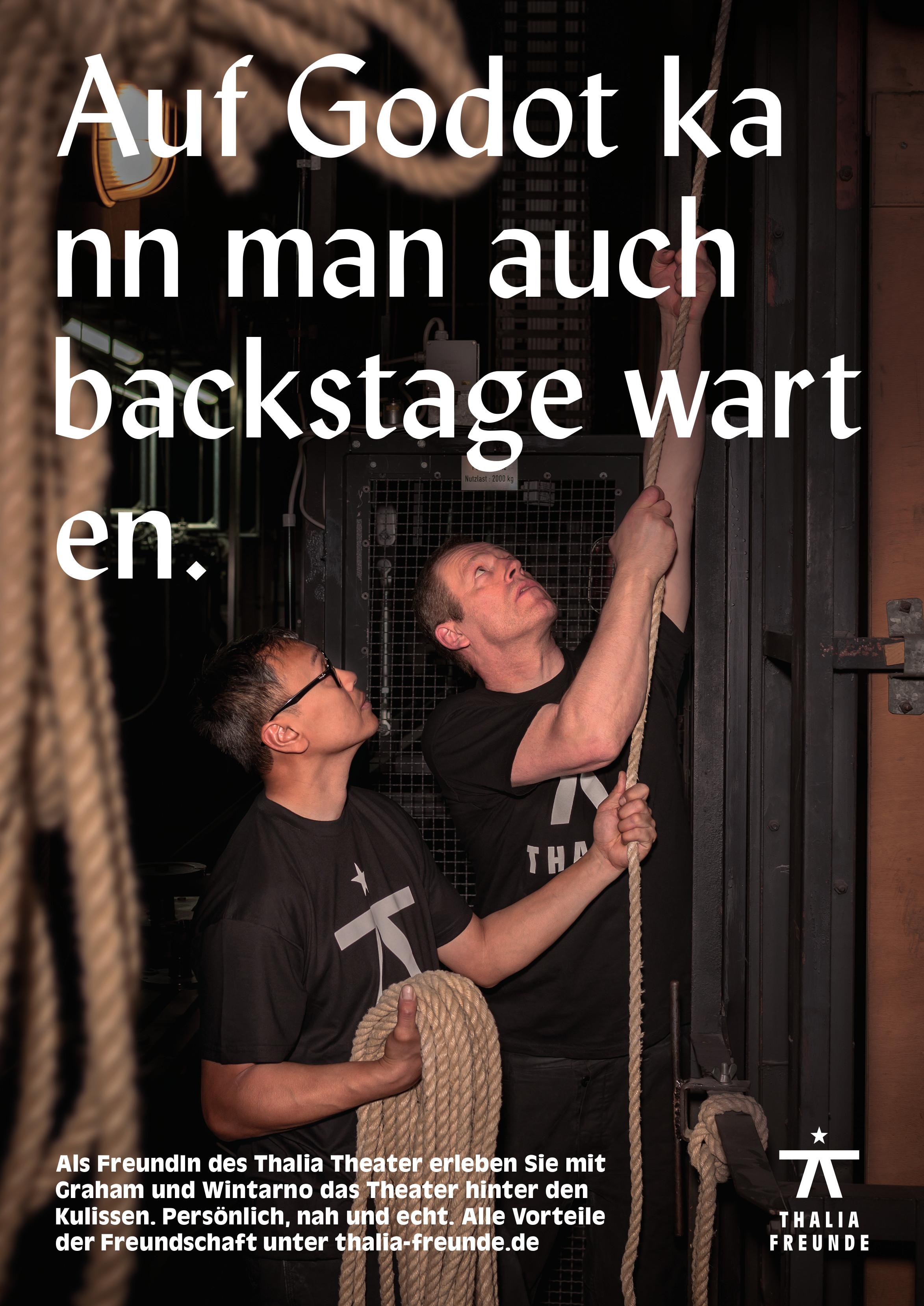 Graham und Wintarno sind für die Bühnentechnik im Großen Haus zuständig. Tatkräftig und schwindelfrei sorgen sie dafür, dass jede Aufführung gelingt.