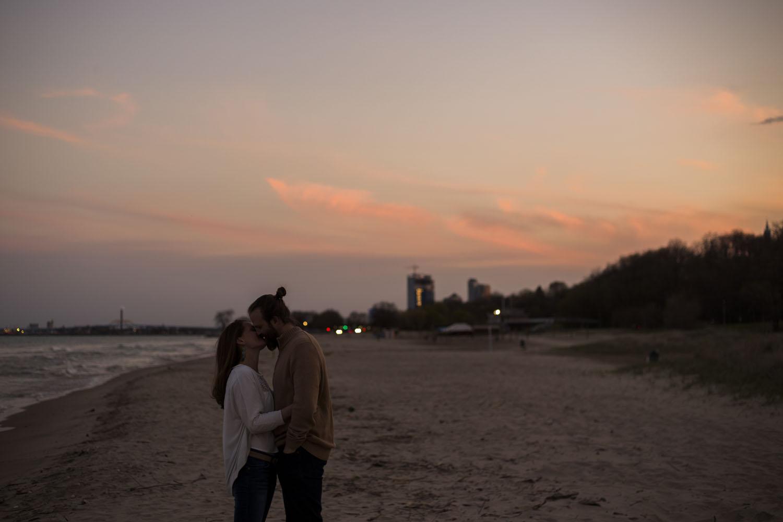 sunset photography new york city anniversary couple