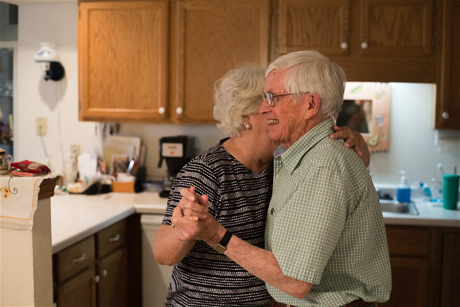 simple moments natural light photographer grandparents nyc