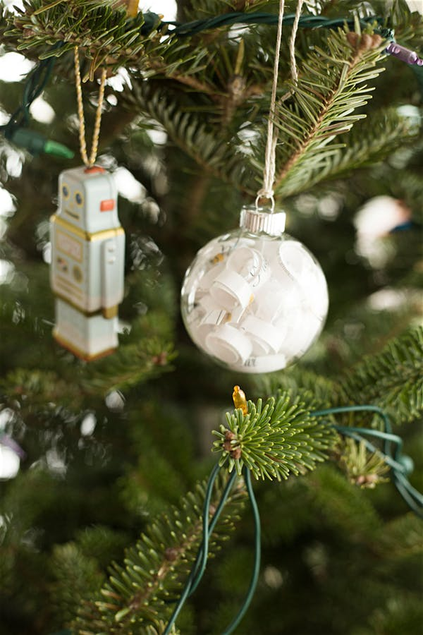 christmas ornament family photographer