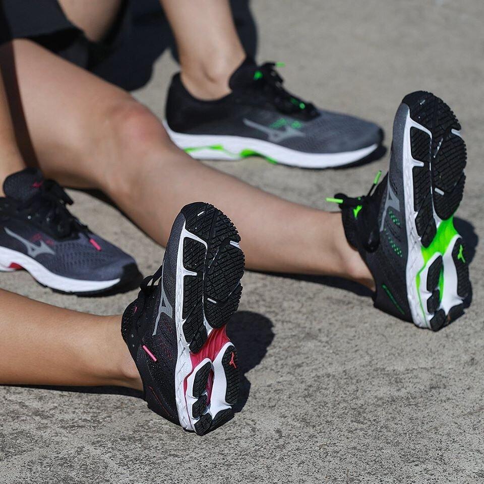 Shoe Review: Mizuno Wave Shadow