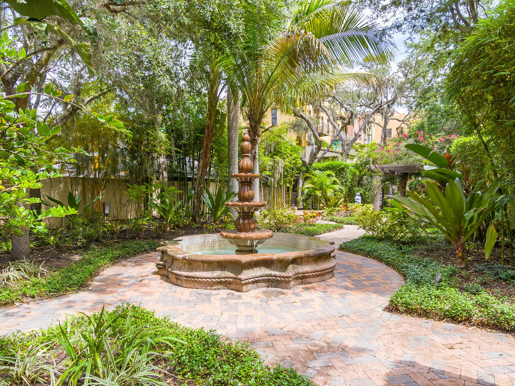 The jaw-dropping verdant grounds provide a peaceful respite for Burns Court Villas residents.