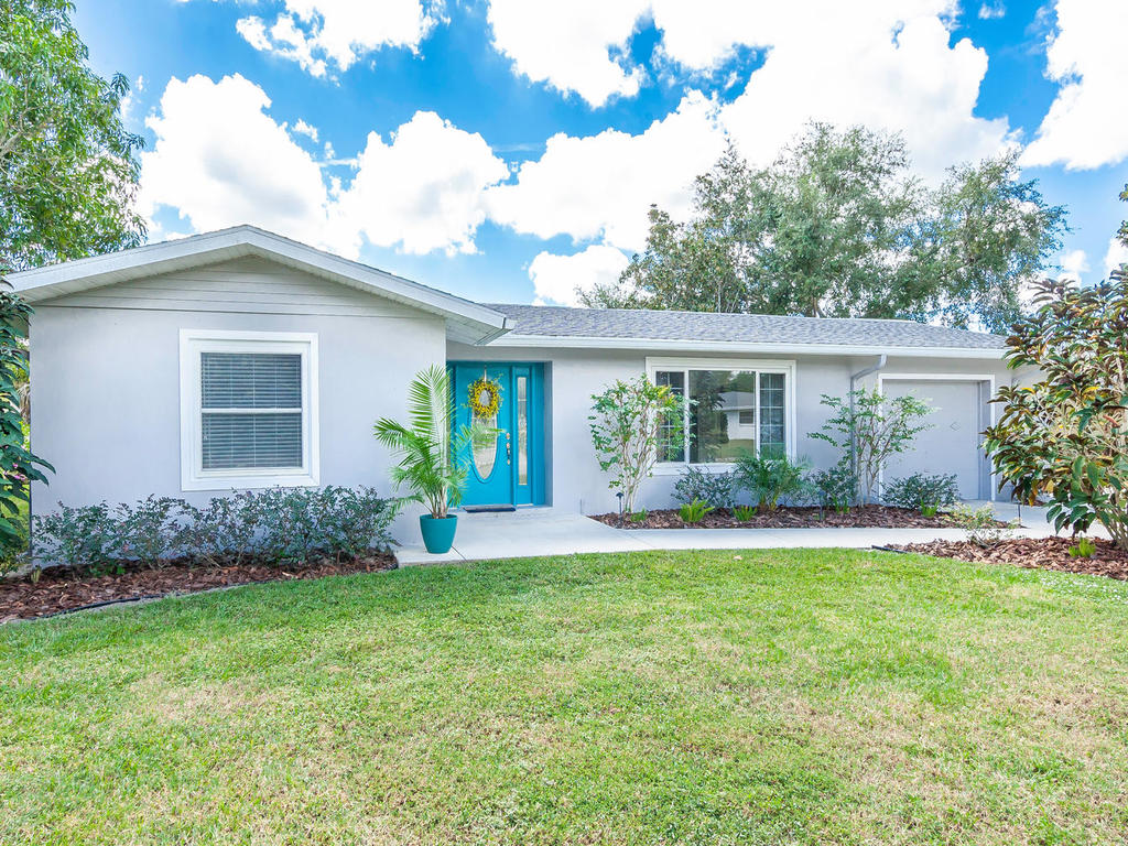 3026 Pinecrest St Sarasota FL-005-1-chpteam5-MLS_Size.jpg