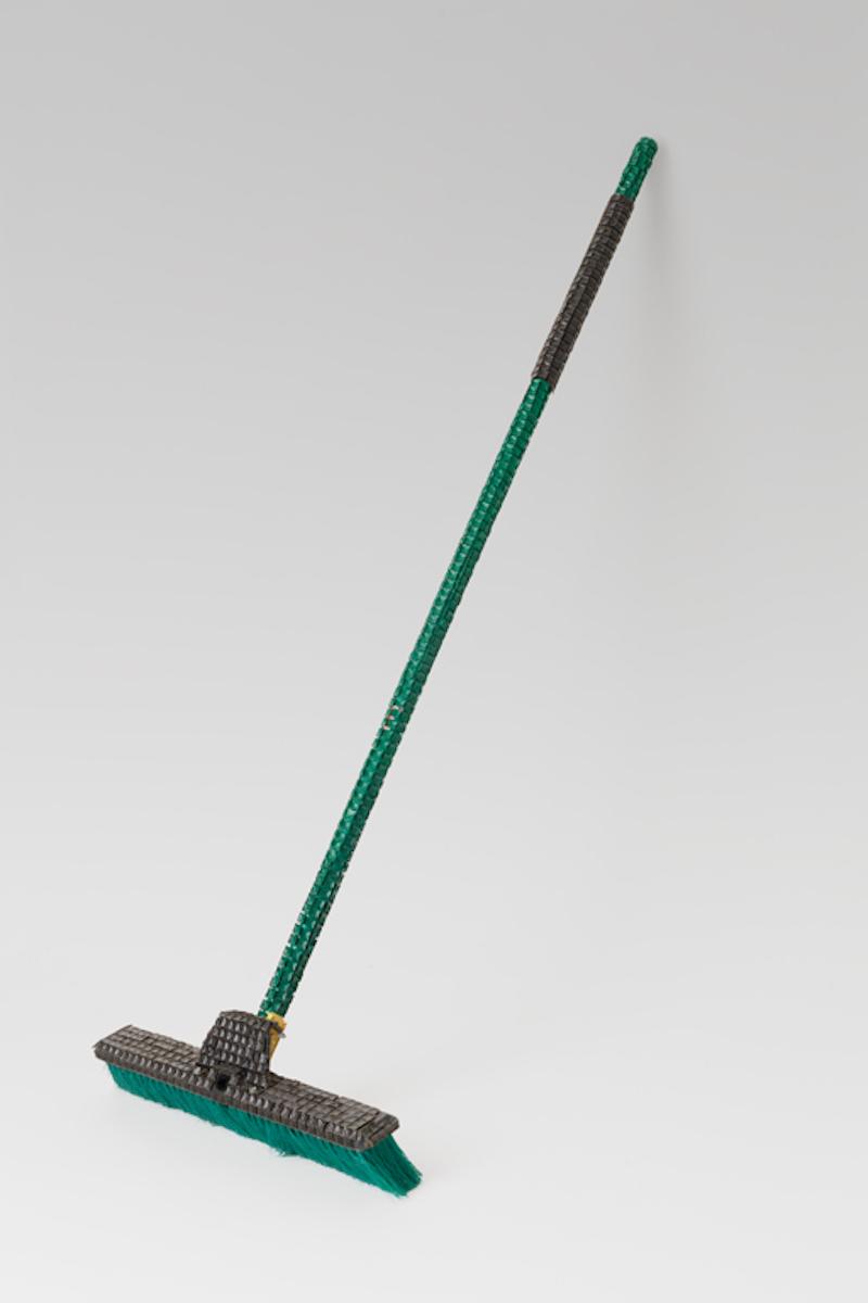 Broom (diagonal view)