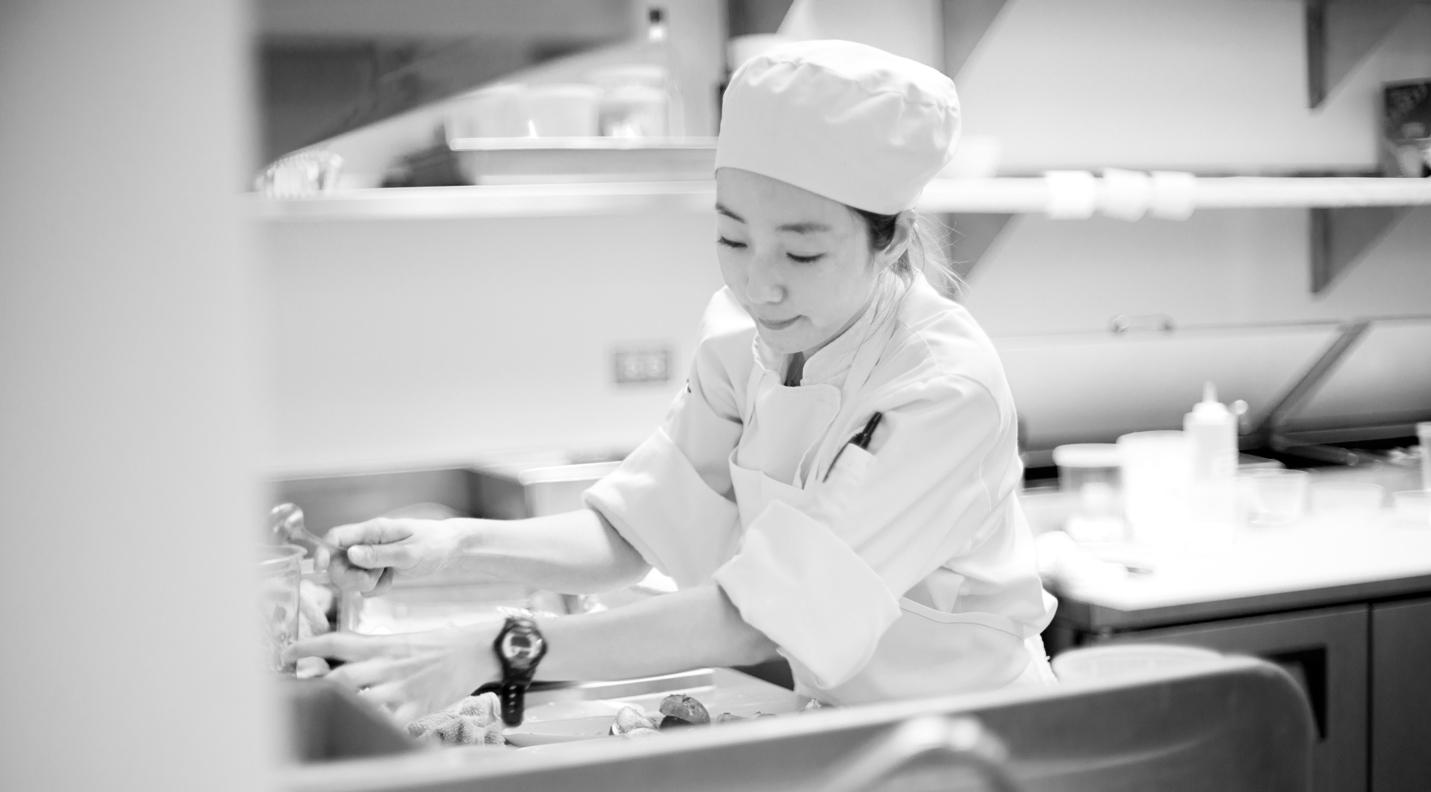 female_chef.jpg